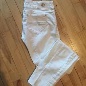 Buffalo White low rise skinny jean